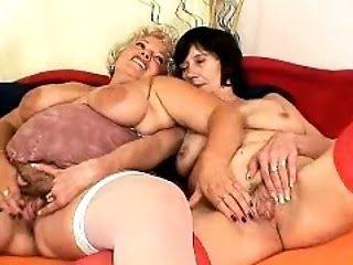 Hot amateur pussy penetration