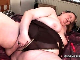 Huge tits mature BBW...